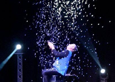 Charles fait son spectacle intéractif de magie